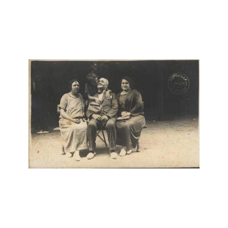 Sant Hilari Sacalm, Grup familiar